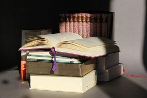 Buku nonfiksi, buku fiksi, faksi